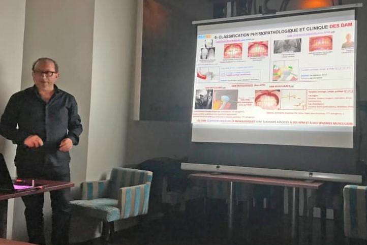 Photo du Docteur Philippe HARB en conférence